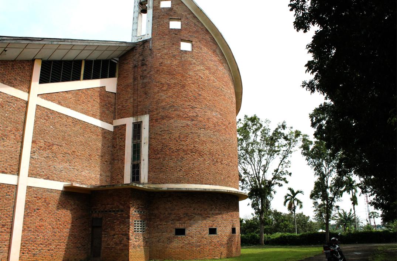 gedung-gereja-kuasi-paroki-simalingkar-b-medan