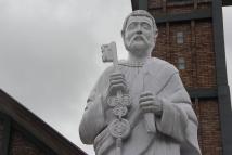 Patung St. Petrus, pelindung gereja Stasi St. Petrus Batukarang (Copyright: Komsos KAM)