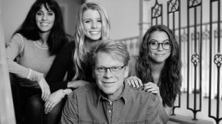 Mike Stevens dan keluarganya