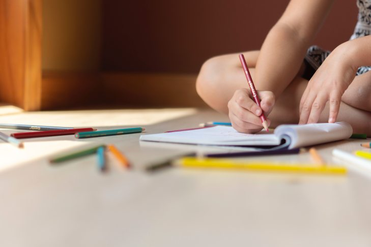 art-child-colored-pencils-1322611