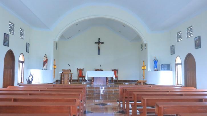 interior gereja stasi Huta Ginjang
